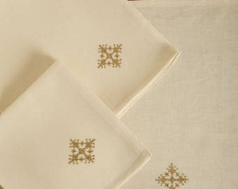 set of 6 napkins in linen and cotton off-white, embroidered stitch Fez
