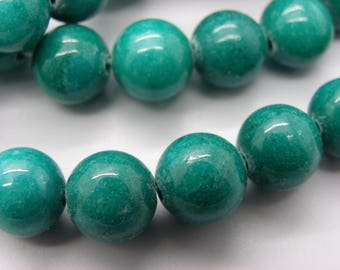 19 beads 10 mm turquoise colored round Malaysia jade