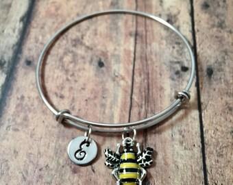 Bee initial bangle - bee jewelry, bumblebee bracelet, honeybee jewelry, insect jewelry, honeybee bangle, honeybee bracelet, bee bracelet