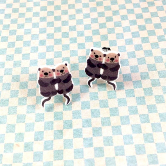 two lovely otters, earring, otter earring, family otter, brown otter, print on plastic, stainless stud, handmade, les perles rares