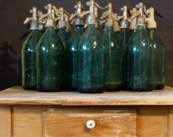 Vintage soda siphon 60s in green