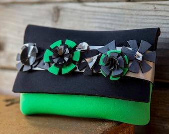 Iphone purse, green purse, wedding gift, purse gift for her, green handbag gift, modern purse, vegan purse, birthday gift, waterproof purse