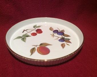 "Royal Worcester Ribbed Gold Edge Fruits Flan Dish 7"" diameter 3/4"" deep"