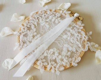 """Ring pillow """"Charlotte"""" limited edition • Calais lace"""