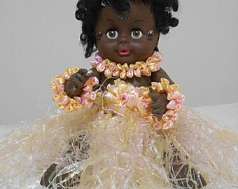 Vintage Hawaiian Hula Girl Doll - Raffia Costume