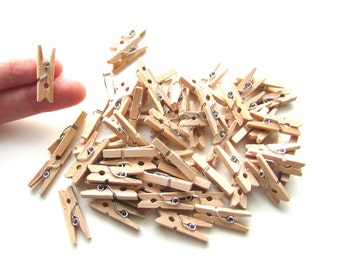 20 Mini pegs natural wood 25mm - Little wooden pegs memo clips - Mini wood clothespins - Little pegs - Wood mini clips - Small pegs wood