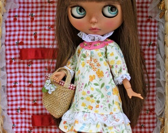 Patterns and English Instructions of Vintage Dress for Blythe Doll