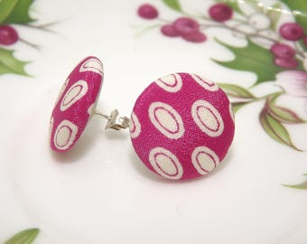 Button earrings, lobe earrings, fabric earrings, fuchsia earrings, small earrings, vintage buttons, simple earrings