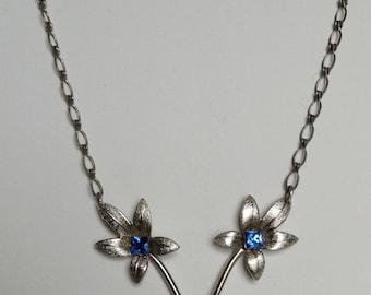 Beautiful art deco 1920/30's floral blue necklace