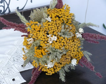 Dried Tansy, Nice bouguets, rustic dried bouguet, dried flowers, bridal bougeuts, beautiful flowers.