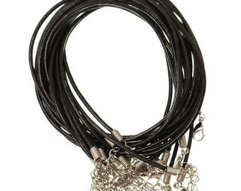 1 CORDON BLACK LEATHER WITH CLASP EXTENSION CHAIN TO HOOK.