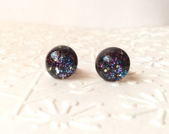 Round tiny wordaway stud  earrings,glitter stud earrings, small round stud earrings,titanium stud earrings,black and glitter stud earrings