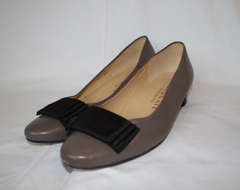 Brunae Pumps with bow