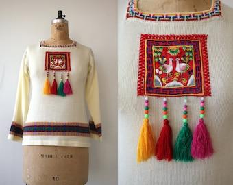 vintage 1970s sweater / 70s cream boho sweater / 70s birds tassel sweater / 70s bell sleeve sweater / 70s pull over sweater / small medium