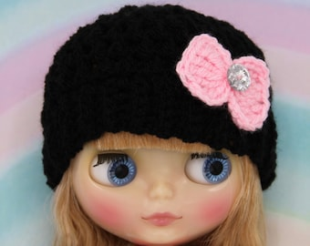 crochet Blythe hat /beanie in black with cute pink bow