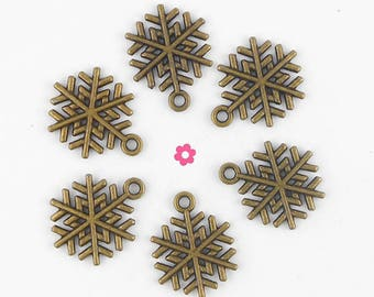 x 5 Christmas snowflake charms bronze 17x19mm (143D)