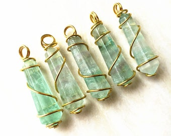 New Arrival! Green Fluorite Stone Healing Point Pendant With Gold Plated Wire Wrapped // Pencil Point Pendant Necklace (SD1H5_01)