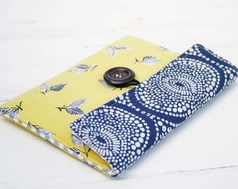Kindle Paperwhite Cover, Kindle Sleeve, Nook Case, Nook Glowlight Case, Padded Kindle Voyager , Kindle Paperwhite Accessories - Citron Leaf