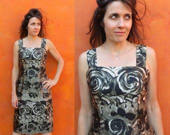 Vintage 1950s 1960s Wiggle Dress. Pinup dress Floral Dress