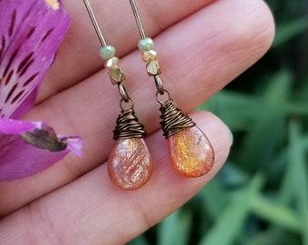 Sunstone Dangle Earrings in Brass >> Sparkly, Peach - Orange Sunstone Gemstone Drops >> Boho Luxe, Gemstone Jewelry