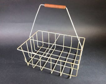 Vintage Primitive Decor Half Gallon Wire Milk Bottle Carrier
