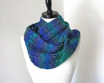 Crochet Pattern-- Slanting Squares Mobius Scarf --Crochet Pattern