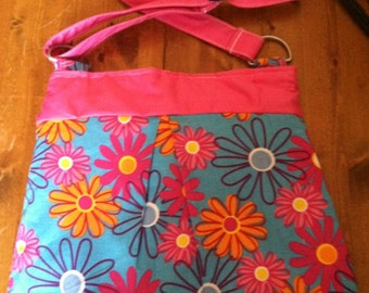 Great Pink/Turquoise Flowered Purse