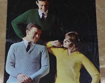 Patons 101 Courtelle Double Crepe Knitting Patterns No 9722 - Jumper / Sweater