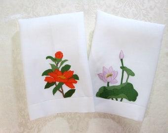 Vintage Towels Floral Applique Guest Towels Cottage Chic Hand Towels Bath Decor Antique Vintage Linens