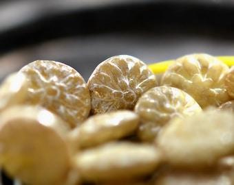 Dream Catch Me - Premium Czech Glass Beads, Opaque Light Yellow, Ivory, Mercury Finish, Dahlia Flowers 14mm - Pc 6