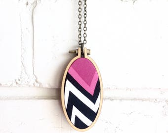 Repurposed Fabric Necklace or Brooch. Pink. White. Black. Pattern. Retro. Mini hoop frame. Handmade. Recycled. Oval pendant. Women gift.