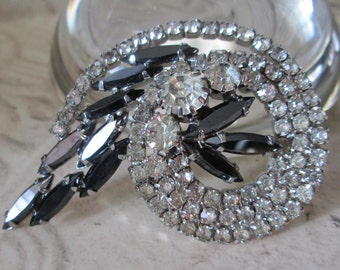 """Vintage Clear and Black Sparkle Pin/Brooch *2-1/2"""" across"""