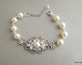 Pearl Bracelet, Bridal Bracelet, Swarovski bracelet, Pearl Bridal Bracelet, Statement Bridal Bracelet, Pearl and Rhinestone Bracelet, DINA