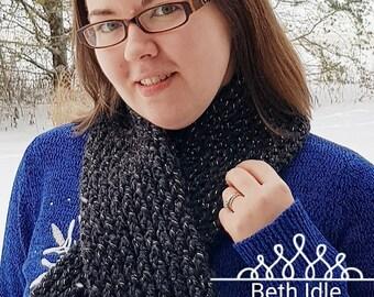 Loom Knitted Mini-Scarf