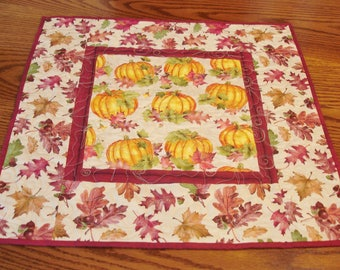 Quilted Fall Table Topper, Pumpkin Table Topper, Quilted Table Runner, Thanksgiving Table Runner, Autumn Table Decor, Free USA Shipping