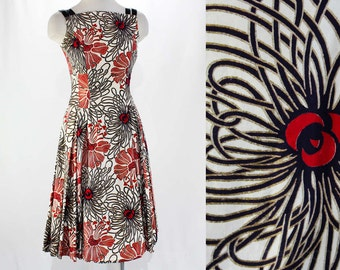 Size 6 Sun Dress - 1950s Tropical Red & Black Floral Print Cotton - 50s Full Skirted Frock - Metallic Gold Screen Print - Bust 33.5 - 46374