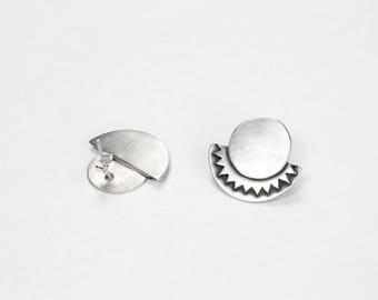 PENDIENTES de plata de presión elegantes, pendientes de plata mate, joyería de autor , pendientes sencillos y cómodos , regalo original