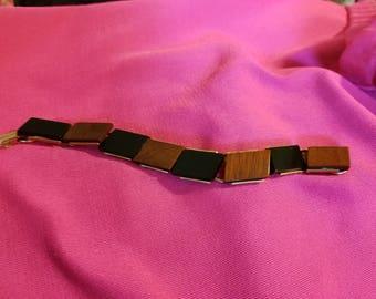 FREE  SHIPPING  Bakelite  Link  Bracelet