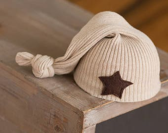 Newborn Boy Hat, Tan Hat with Brown Star, Newborn Photo Prop, Boy Photography Prop, Newborn Hats, Ready to Ship Boy Outfit, Newborn Star Hat