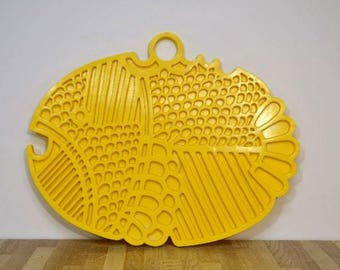 Midcentury Dansk Gourmet Designs Mod Fish Trivet Wall Hanging Decor / Choice of Three Colors Yellow Beige White