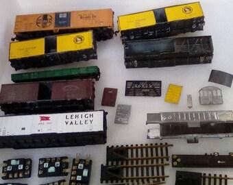 Vintage HO Train Cars for Parts
