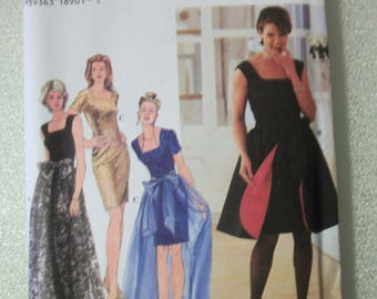 Simplicity 7128 Misses/Misses Petite  Size H (6-8-10) dress and overskirt