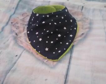 Black and green pattern bandana bib-star