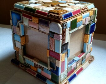 Tile photo box
