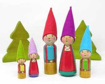 Gnome Family of 5, Wooden peg dolls, Gnome toy, Gnome family, handmade kids toy, Waldorf inspired gnomes, Scandinavian gnome family