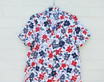 Vintage Floral Flowers Red Blue White Blouse Top Shirt Medium Large Collared Shirt Collar Novelty Print M L XL