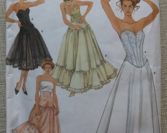 Andrea Schewe Design Lingerie Incl. Corset, Petticoat and Underskirt Yoke in Sizes 14-20 Simplicity Sewing Pattern 5006