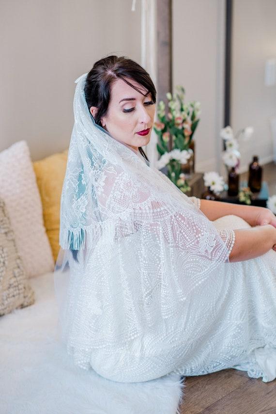 SAMPLE SALE Lace Veil, Ivory Lace Veil, Wedding Veil, Ivory Veil, Fringe Trim Veil, Boho Veil, Bohemian Veil, Fringe Veil CASSIDY