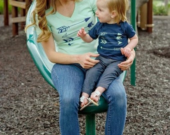 Mommy and Me Mint/Navy Arrow set