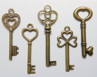 Heart Skeleton key charm collection of 5 large keys Steampunk vintage inspired antique bronze COLL-H